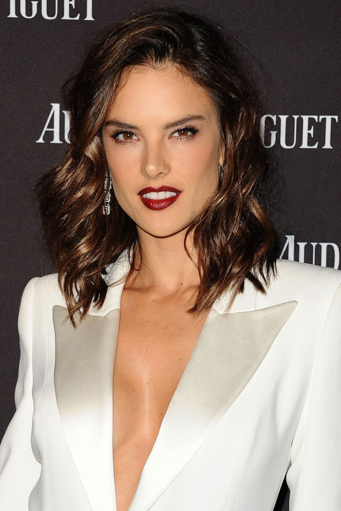 1449763911-hbz-beauty-secret-alessandra-ambrosio