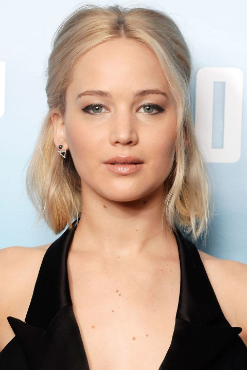 gallery-1450454351-hbz-beauty-secret-jennifer-lawrence