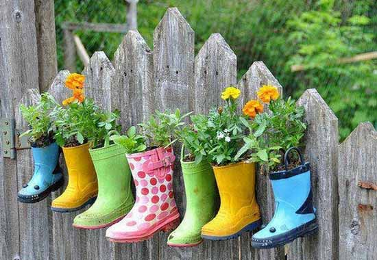 recycled-crafts-planters-backyard-ideas-15